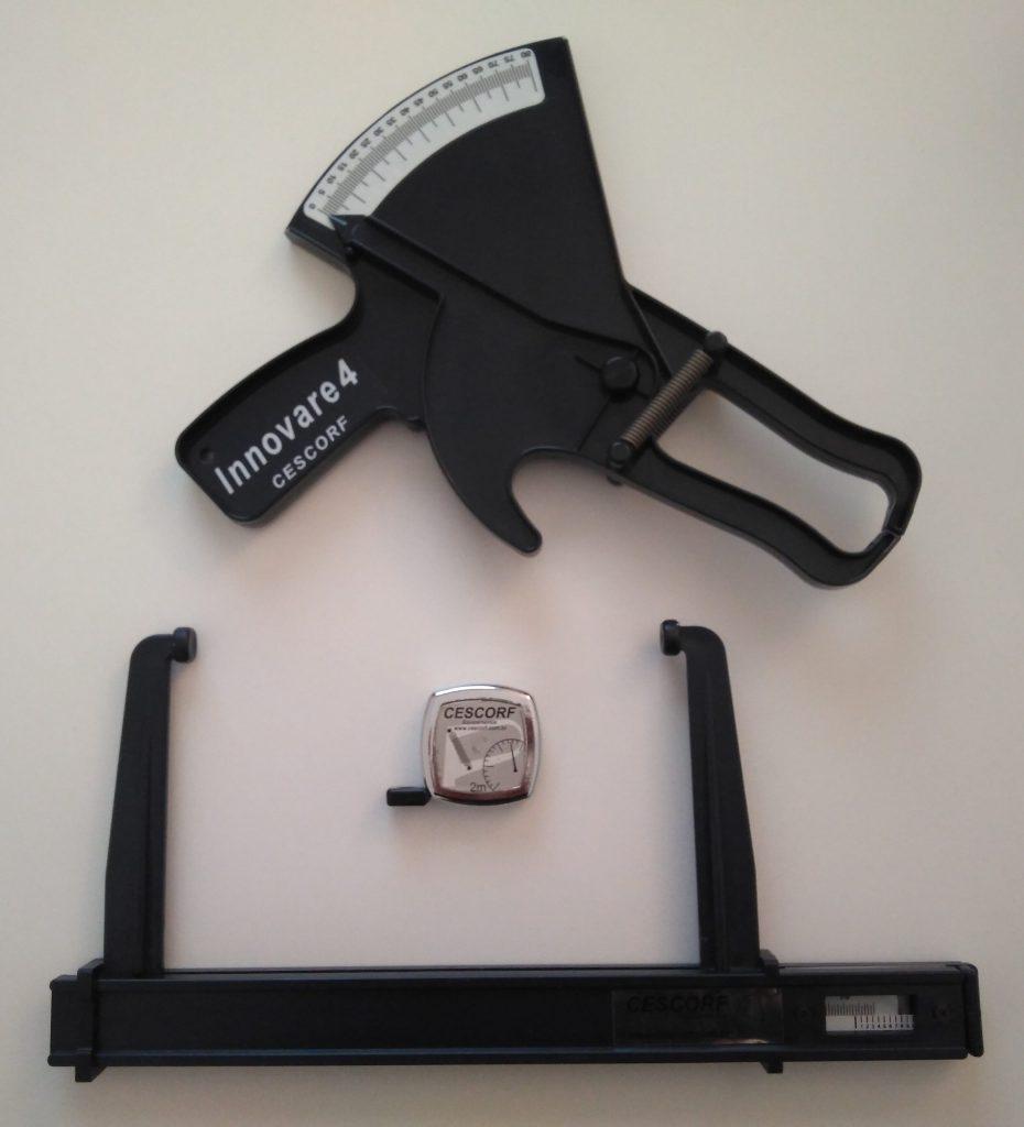 Plicómetro, paquímetro y cinta de Cescorf para medidas antropométricas.